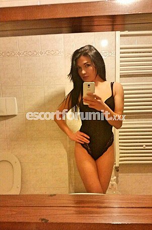 VANESSA HOT Milano  escort girl