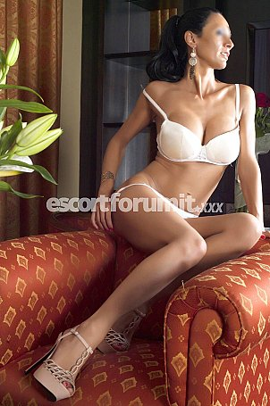 ELEONORA MORI - Italian Milano  escort girl