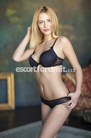 Yanika Milano  escort girl