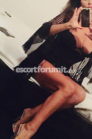 claudine Roma  escort girl