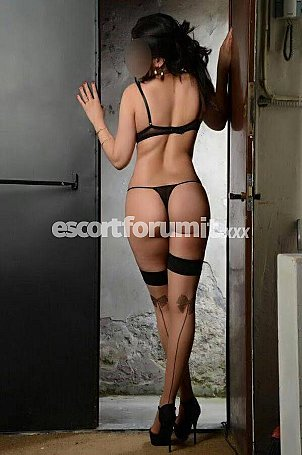 Elena92 italiana Milano  escort girl