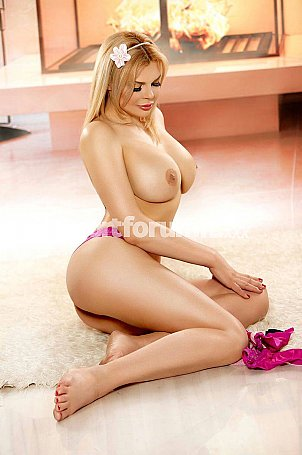 Rose Milano  escort girl