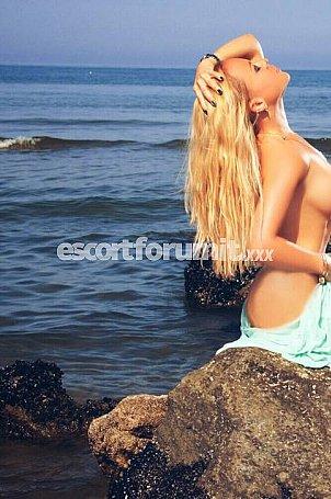 GFE Celine Napoli  escort girl