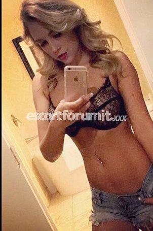 Alissa Milano  escort girl