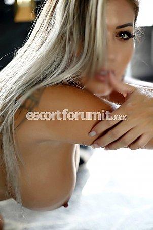 Valentina Bari  escort girl