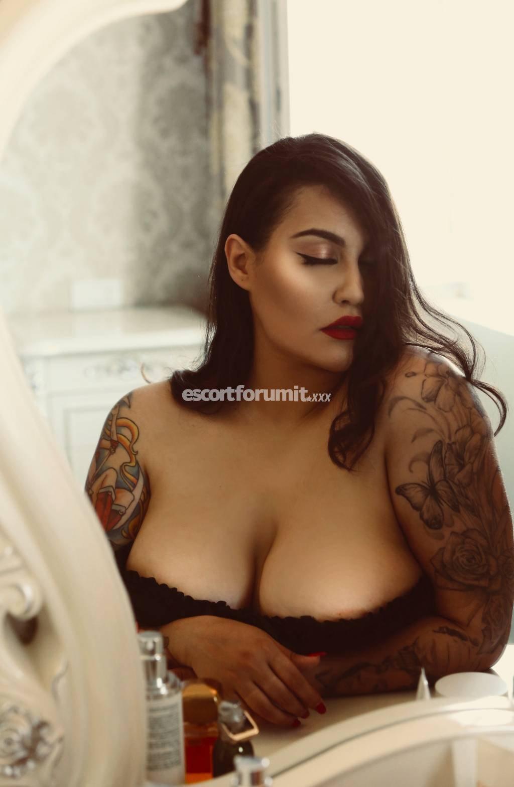 Annabella curvy