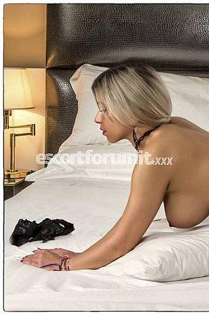 Deea Macerata  escort girl