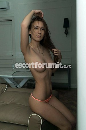 UMA_NEW Bergamo  escort girl