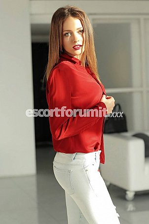 Linda Roma  escort girl