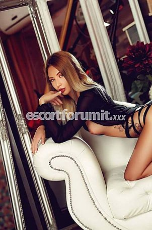 Alena Roma  escort girl