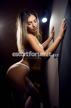 CLARA Massa Carrara  escort girl