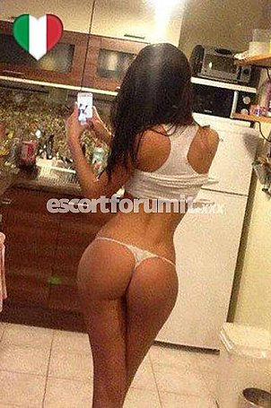 Perla ITALIANA Roma  escort girl