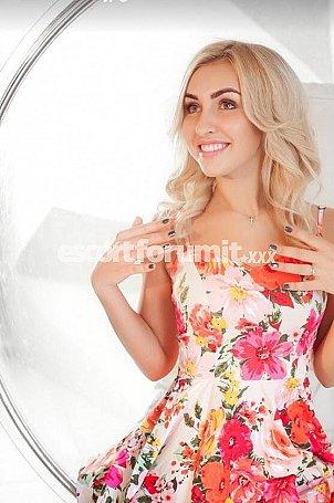 Karolina Milano  escort girl