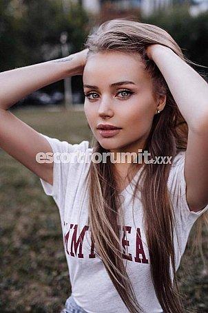 Sia Milano  escort girl